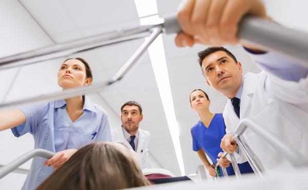 Curso superior en medicina de urgencias – ISBN: 978-84-494-5484-4